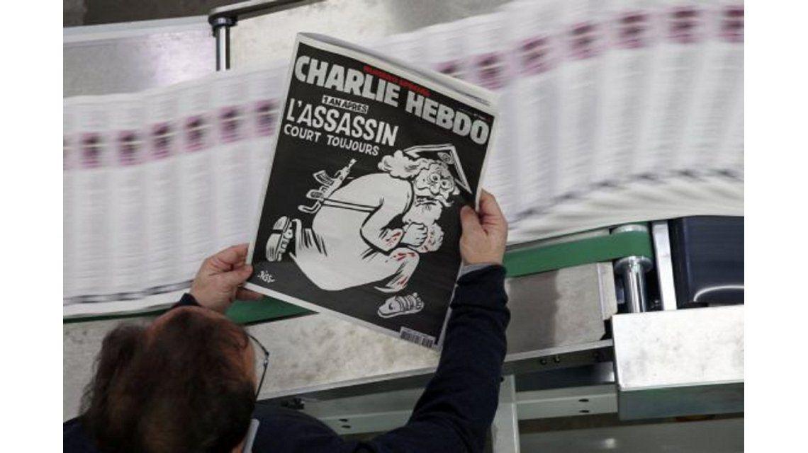 Charlie Hebdo vuelve a apostar a la polémica para recordar aniversario del ataque contra su redacción