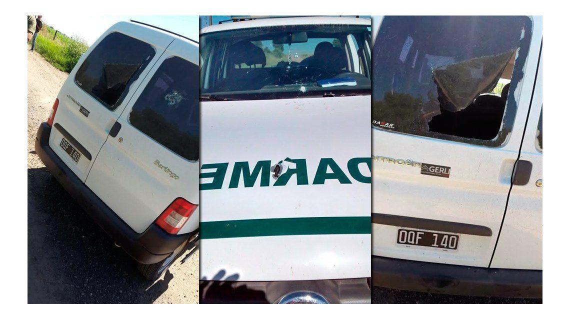 Ésta es la camioneta que abandonaron los tres sospechosos