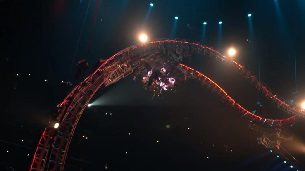 Baterista de Mötley Crüe quedó suspendido en el aire en su último show