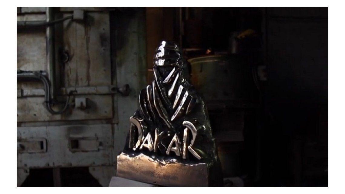 Así se hizo el preciado trofeo que se llevará el ganador del Dakar