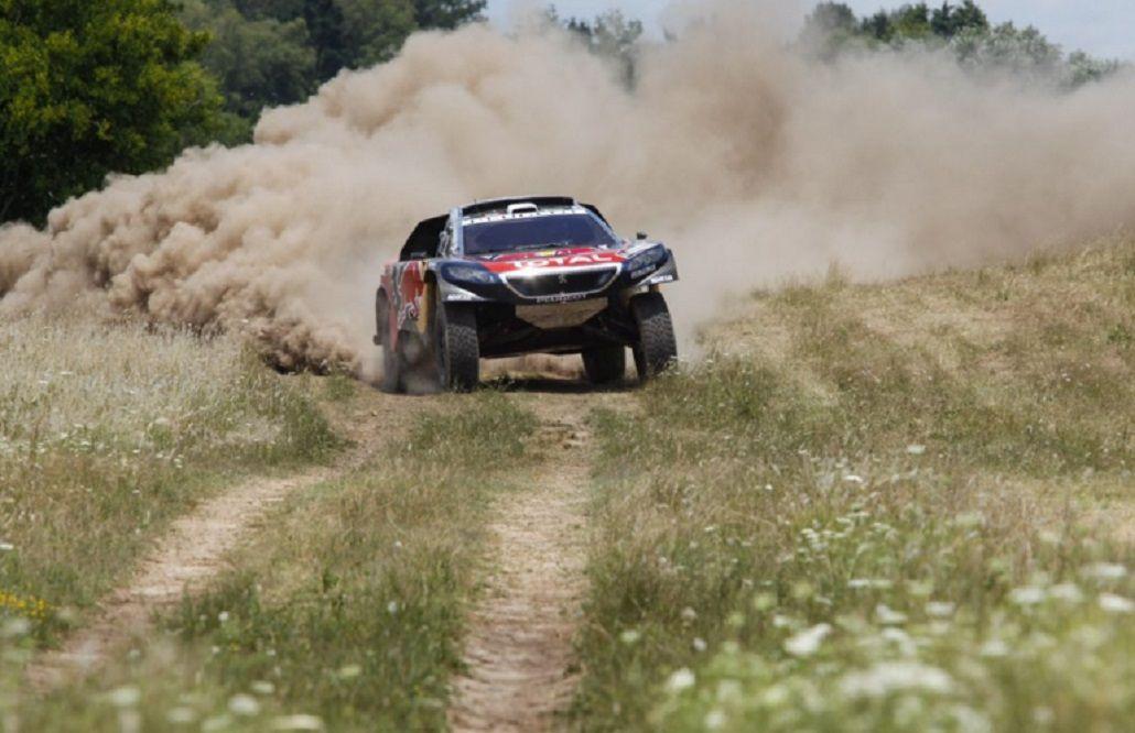 En su debut en el Dakar, Sebastien Loeb ganó la segunda etapa
