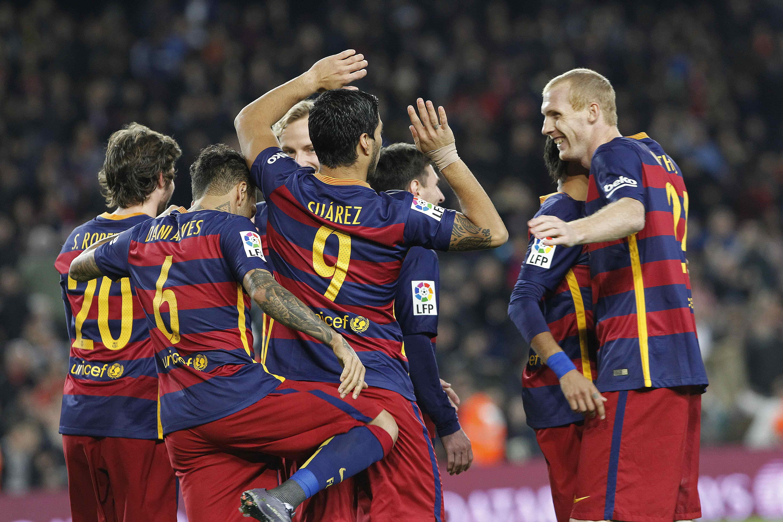 Con un gol de Messi en su partido 500, el Barcelona goleó al Betis como local