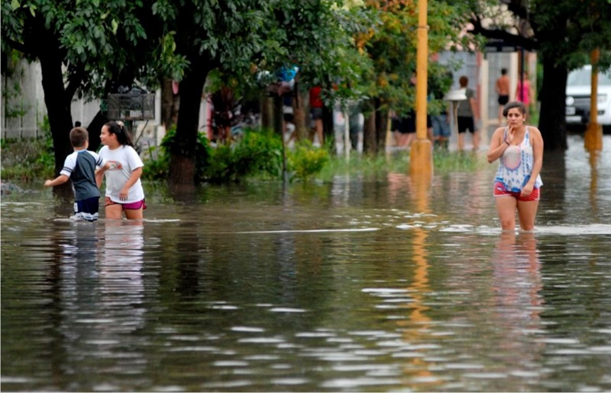 Ya son 1300 los evacuados en Santa Fe por la crecida del Paraná