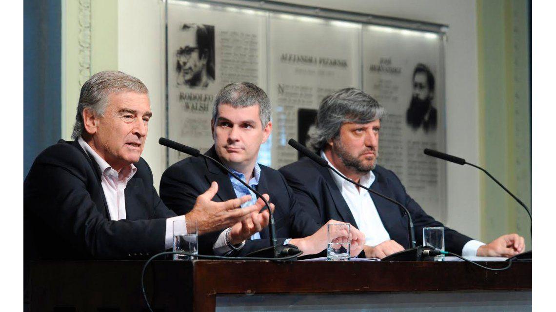 """Marcos Peña: """"Hoy se termina la guerra del Estado con el periodismo"""""""