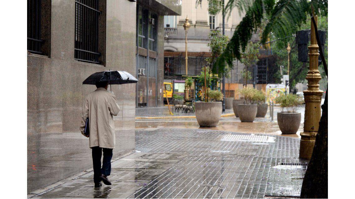 Se espera un lunes nublado, fresco y con lluvias en la Ciudad y alrededores