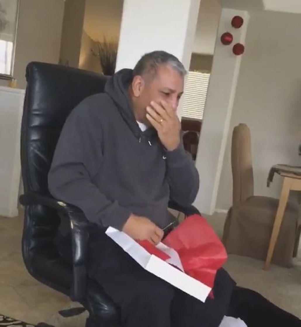 VIDEO: Mirá la emotiva reacción de un hombre al ver su regalo de Navidad