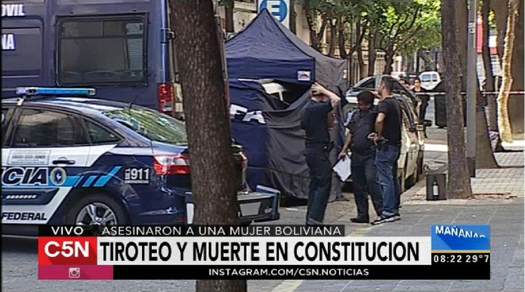 Ejecutaron de seis tiros a una mujer a la salida de un boliche de Constitución