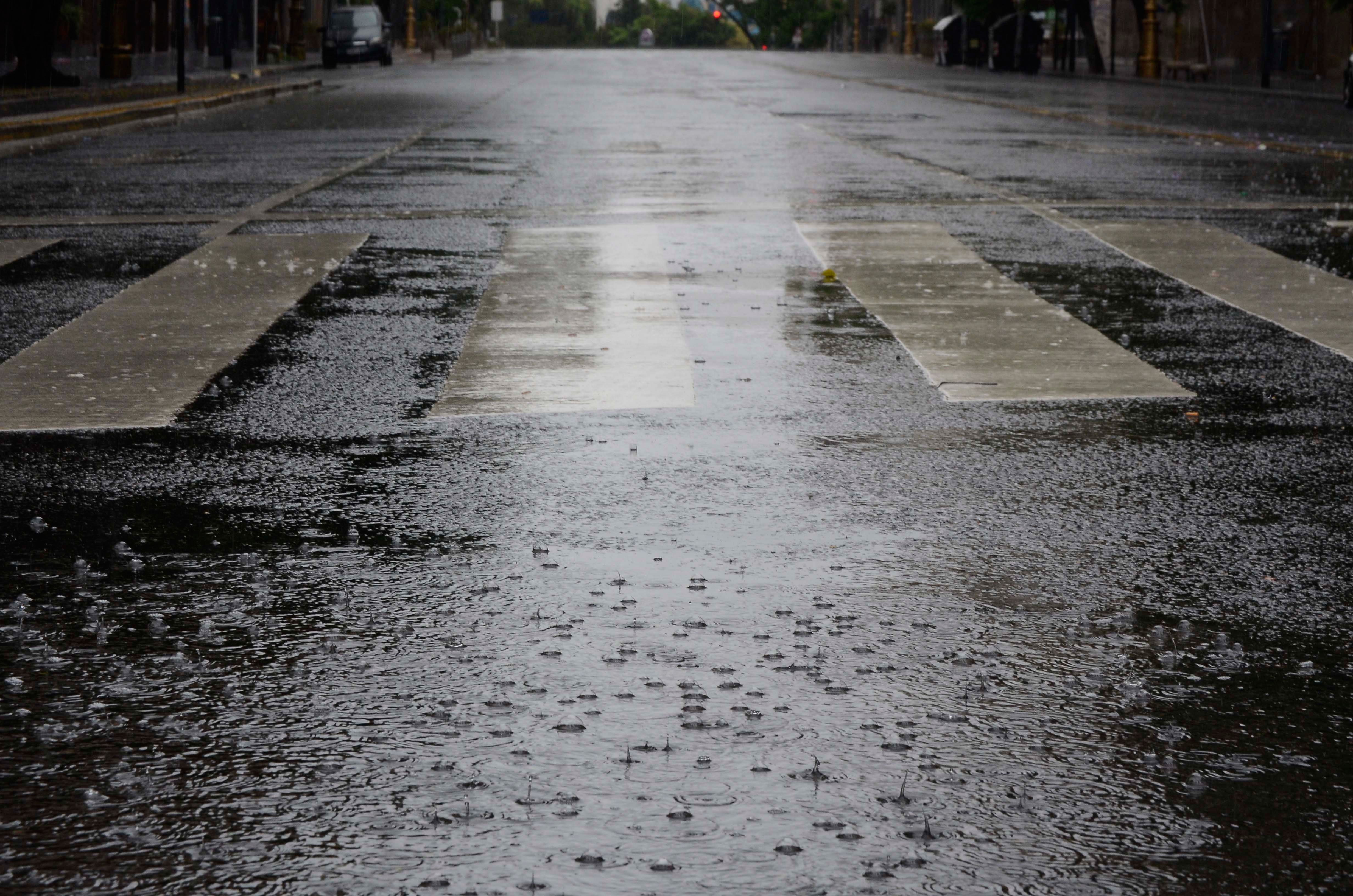 Jueves con calor y probabilidad de lluvias