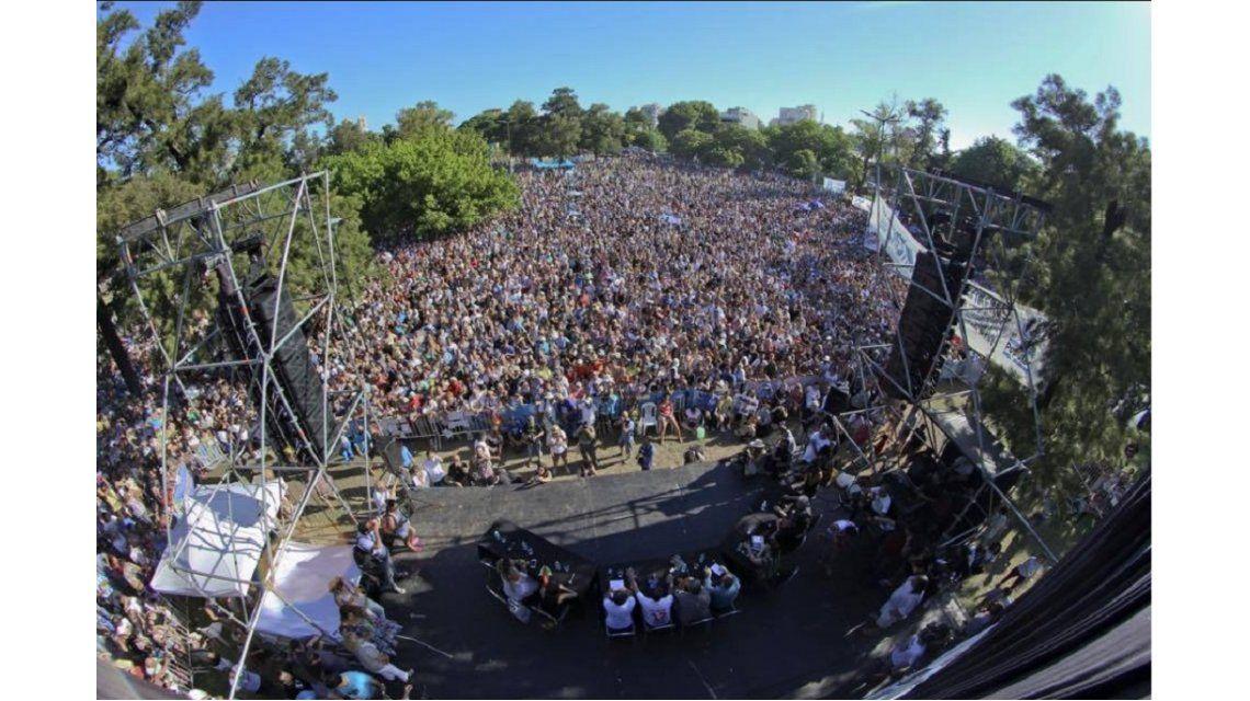 Militantes se reunieron en Parque Saavedra en un 678 al aire libre