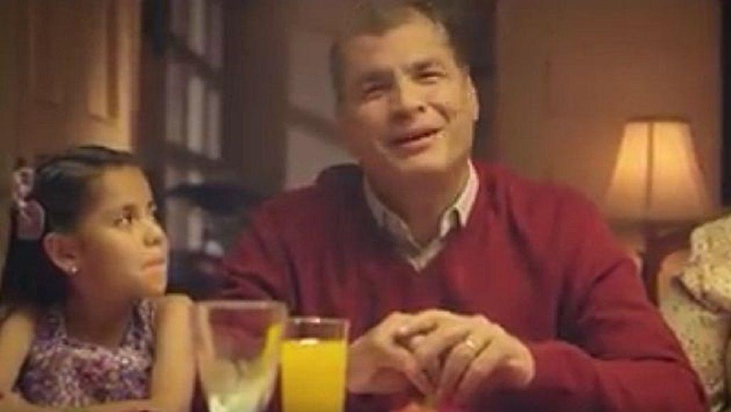 El Presidente de Ecuador fue criticado por un video con saludo navideño