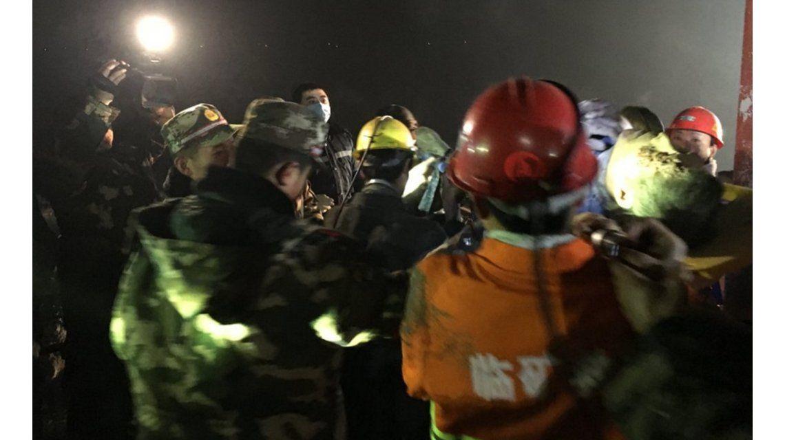 Al menos 18 personas se encuentran atrapadas en una mina en China