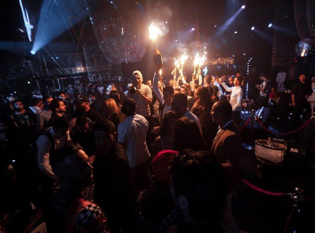 Lujos, alcohol y mujeres: así fue el cumpleaños de Karim Benzema