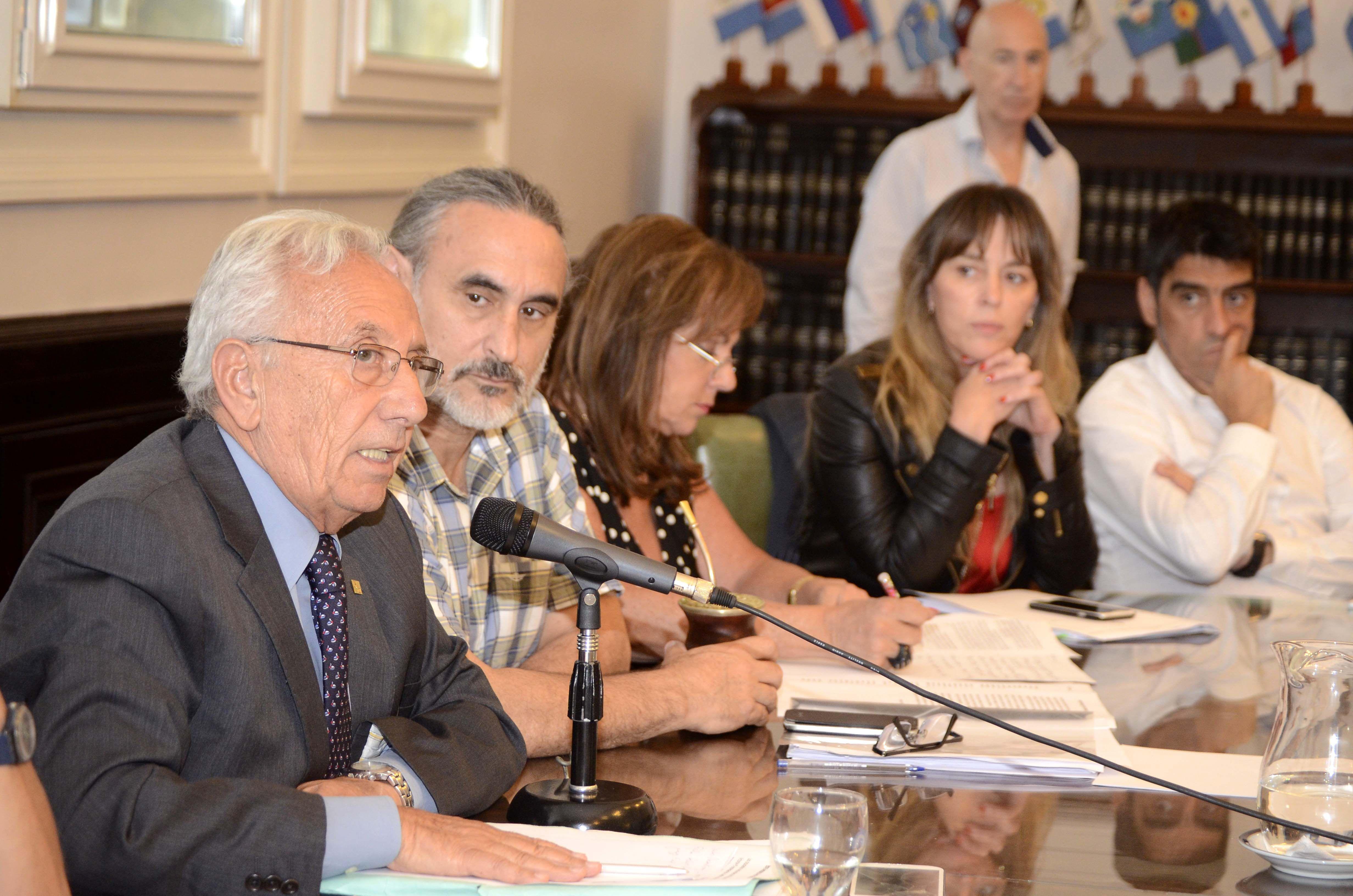 Diputados del FpV piden citar al Congreso a Bullrich y Burzaco