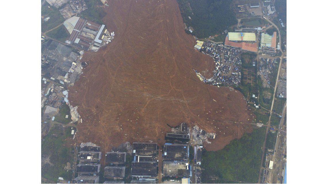 El desprendimiento de tierra en China, en imágenes