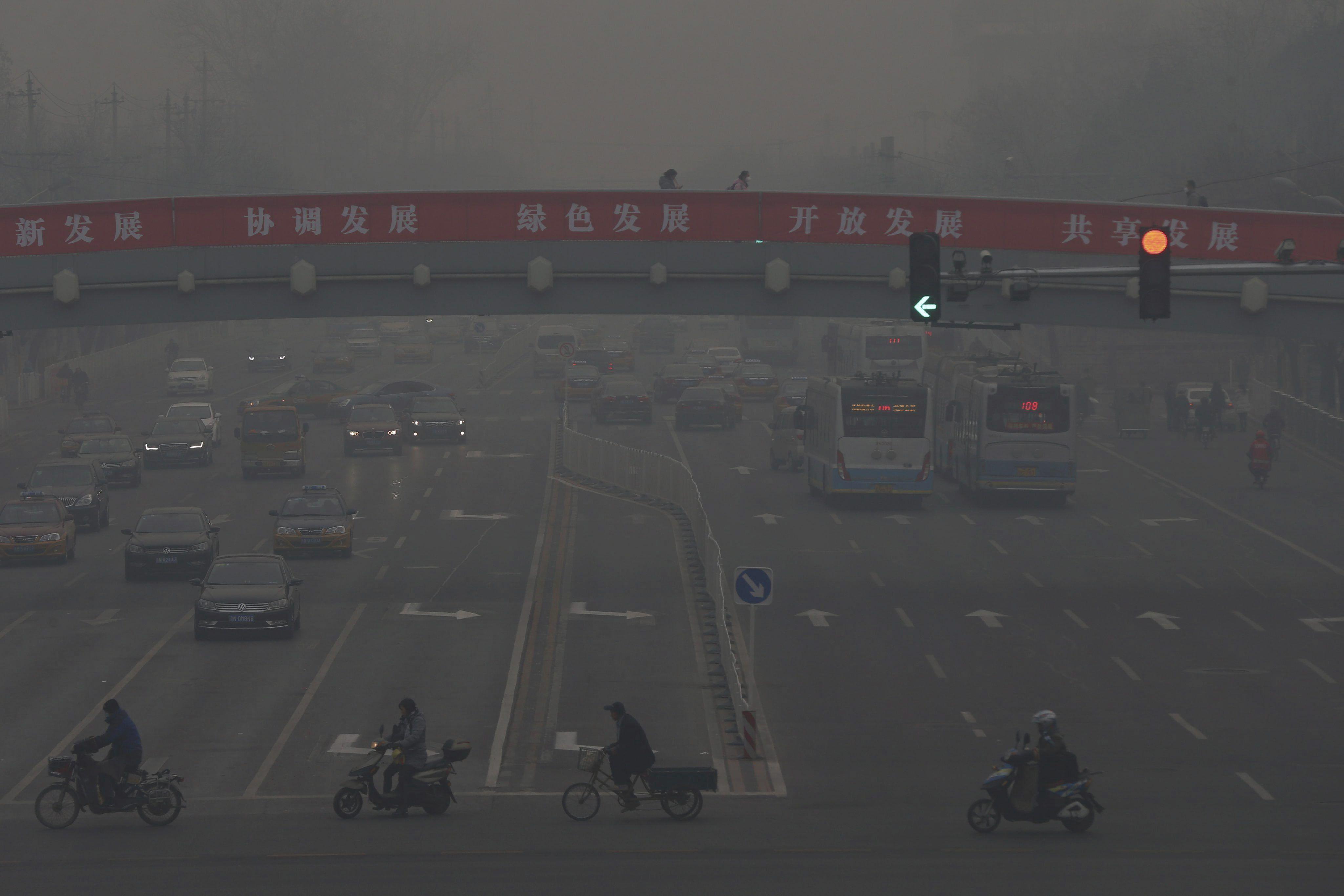 Al menos 50 ciudades de la China están en alerta por contaminación