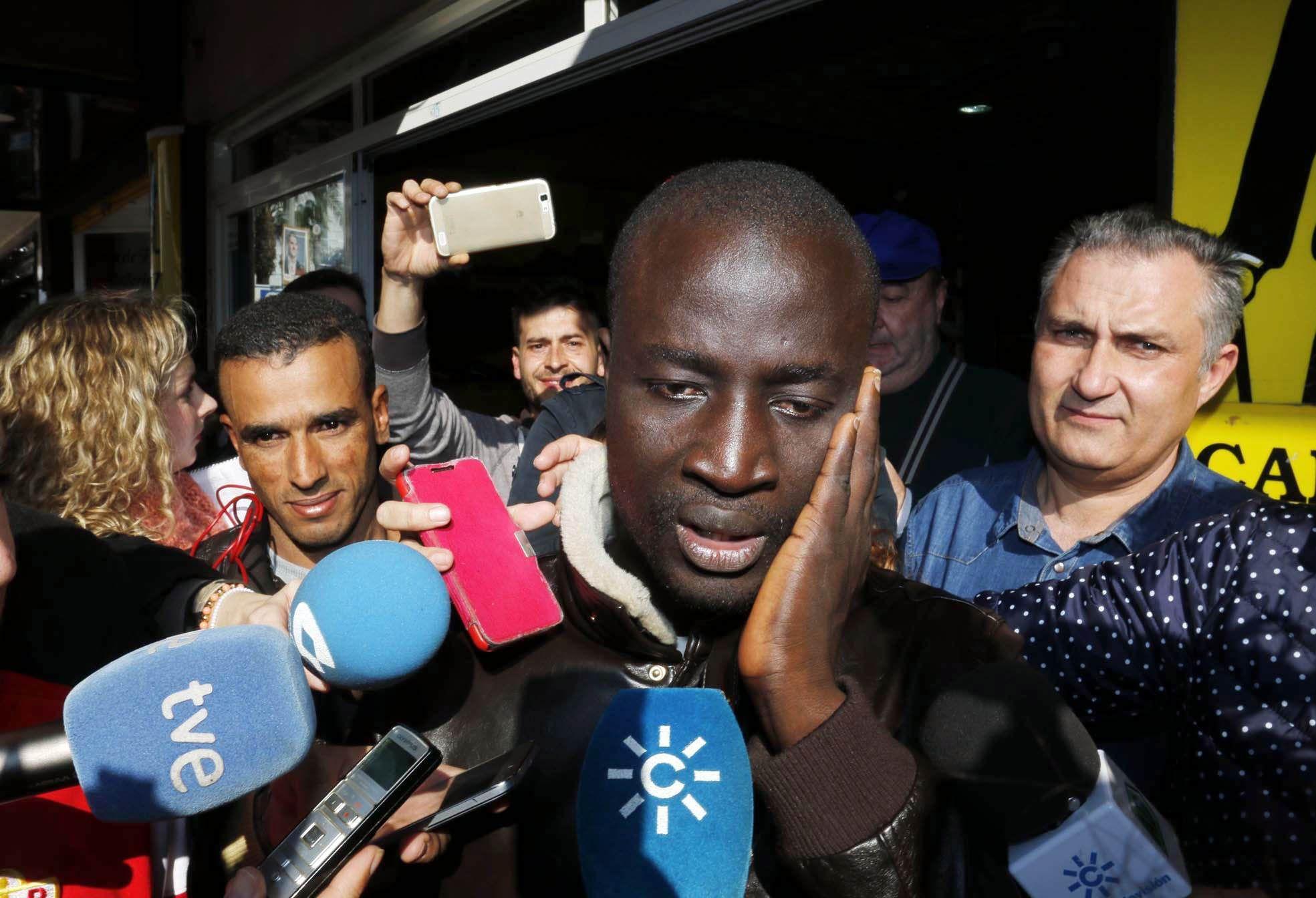 Un refugiado senegalés ganó 400 mil euros en la lotería de España