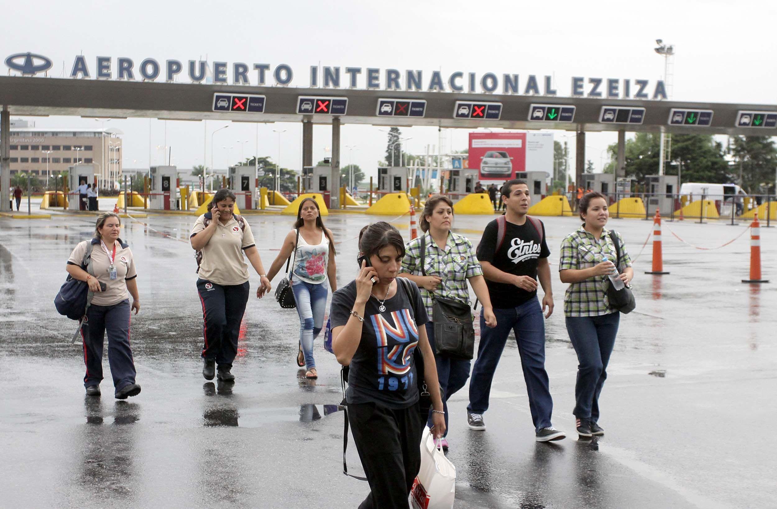 Ricchieri: liberaron el acceso al aeropuerto de Ezeiza