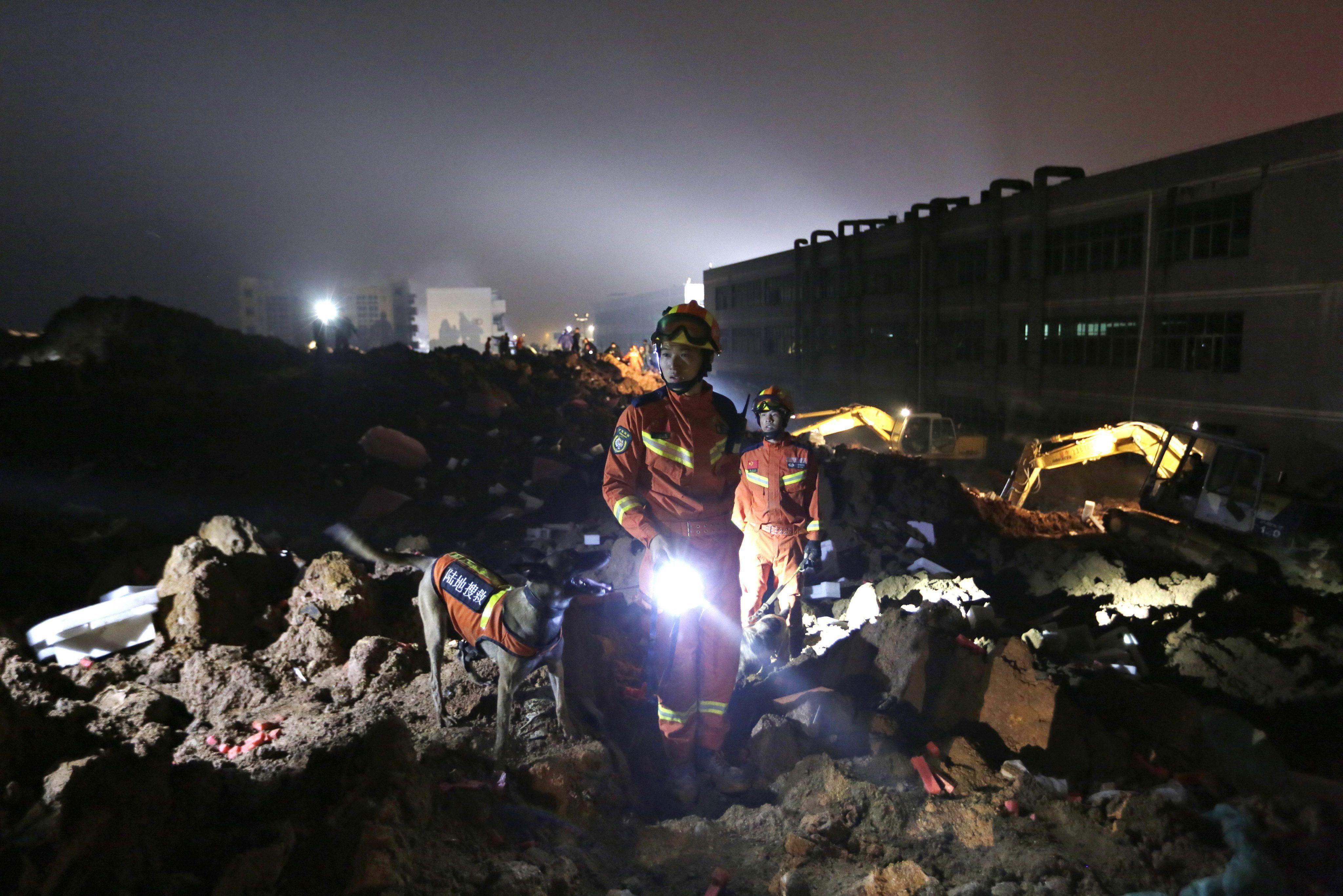Se derrumbaron 12 edificios en China y hay al menos 59 desaparecidos