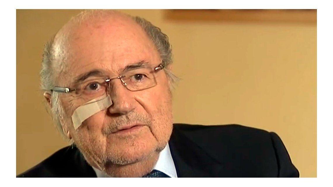 Blatter rompió el silencio tras la suspensión: Soy el punching ball
