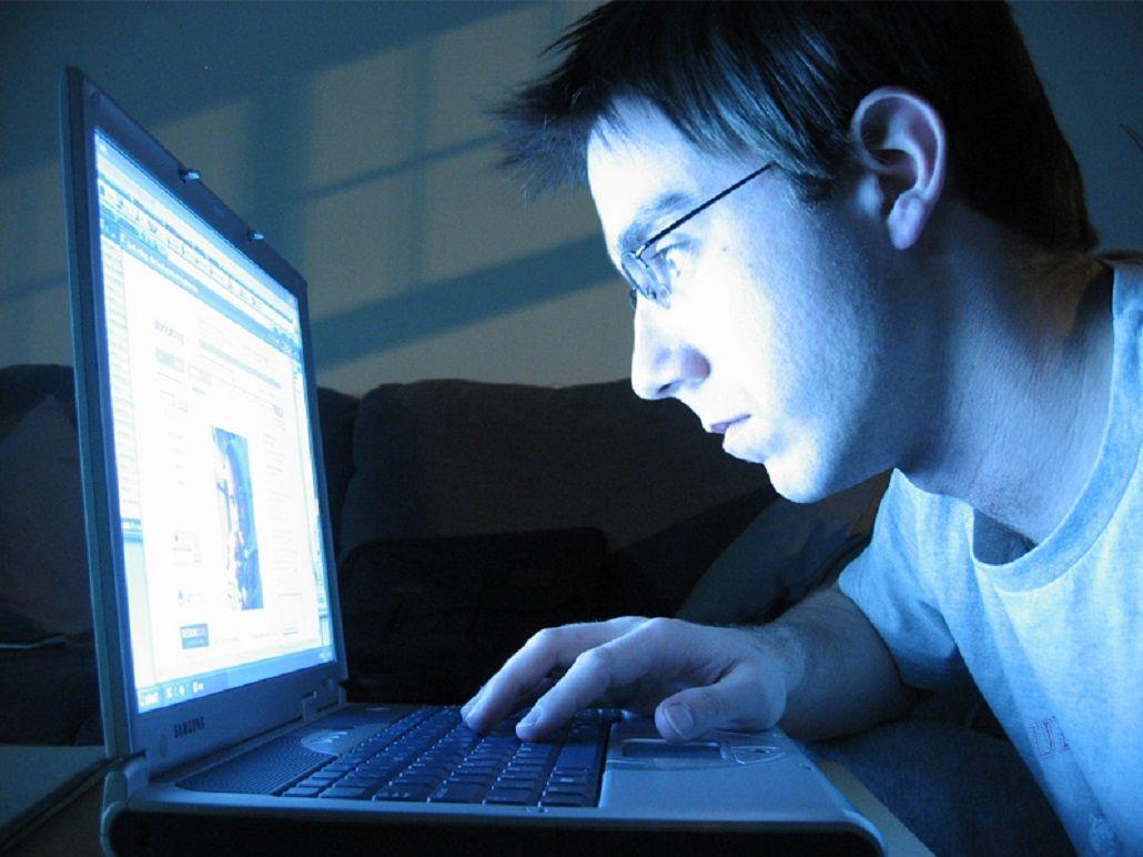 Un estudio asegura que Facebook es como una droga socialmente aceptada