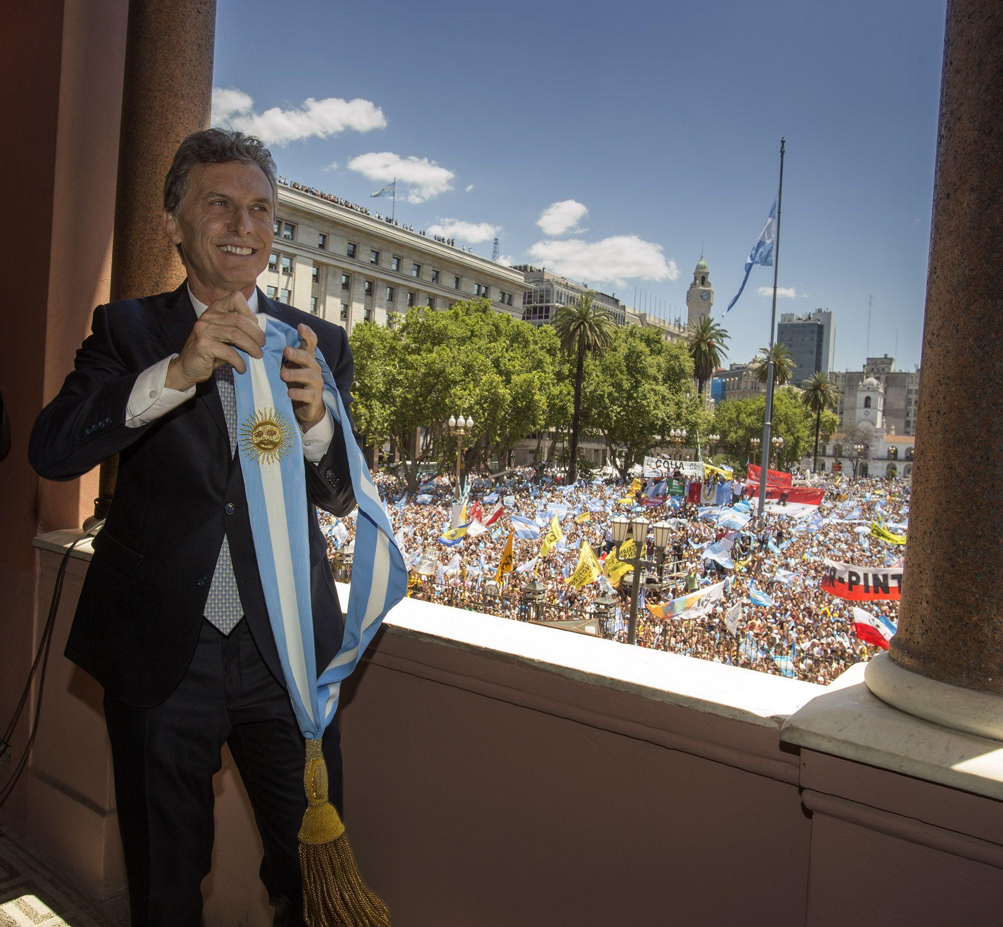 Una encuesta revela que las primeras medidas de Macri son respaldadas por los argentinos