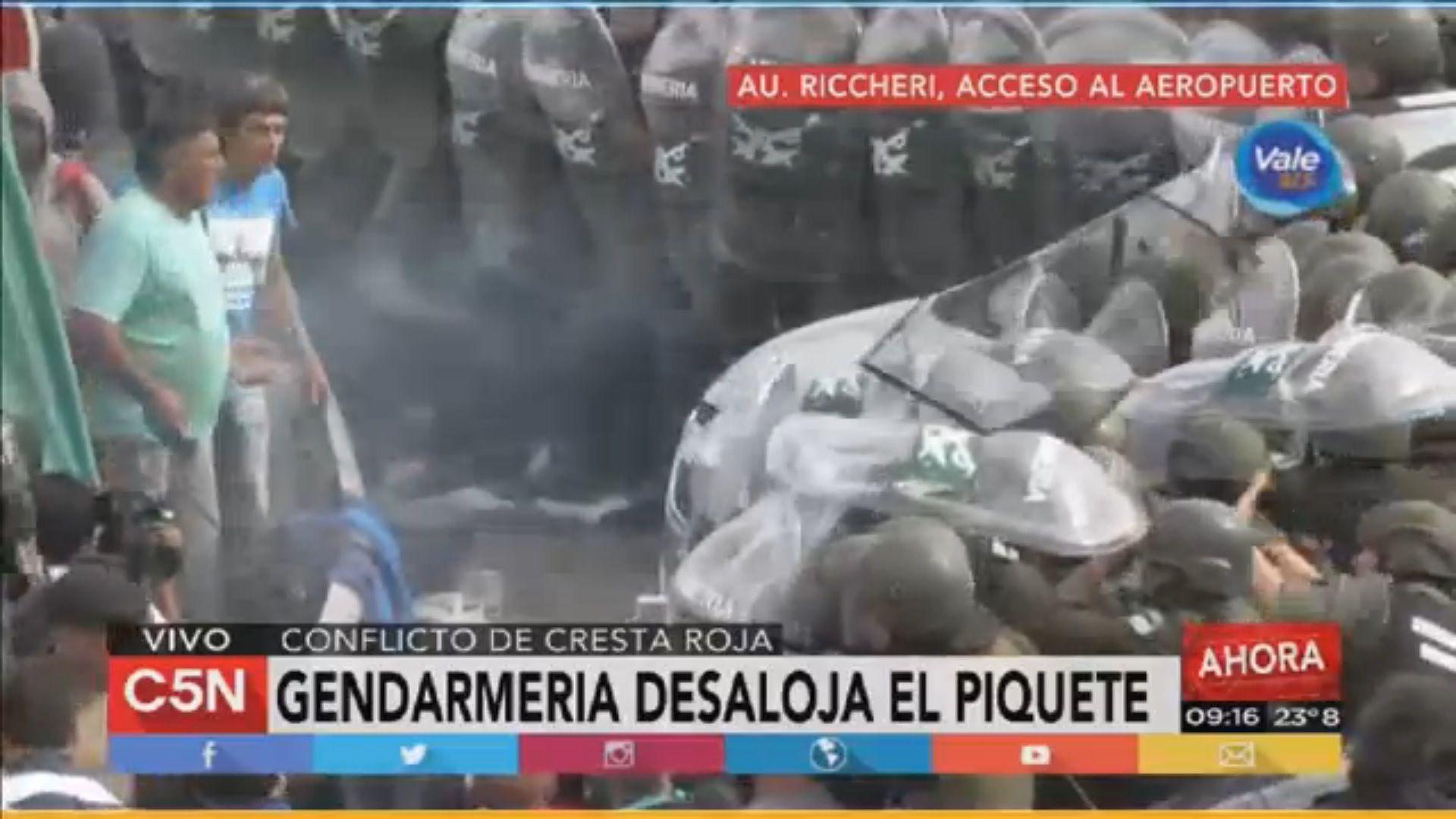 Gendarmería liberó la Riccheri tras incidentes con empleados de Cresta Roja