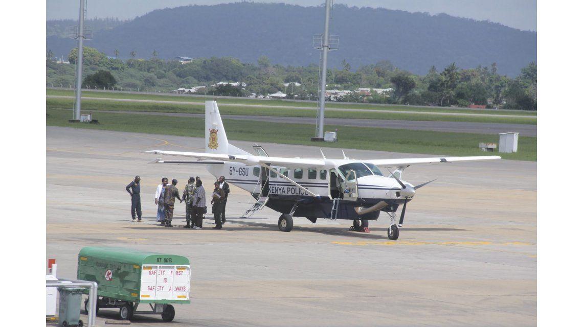 Un avión tuvo que aterrizar de emergencia por la presencia de una bomba