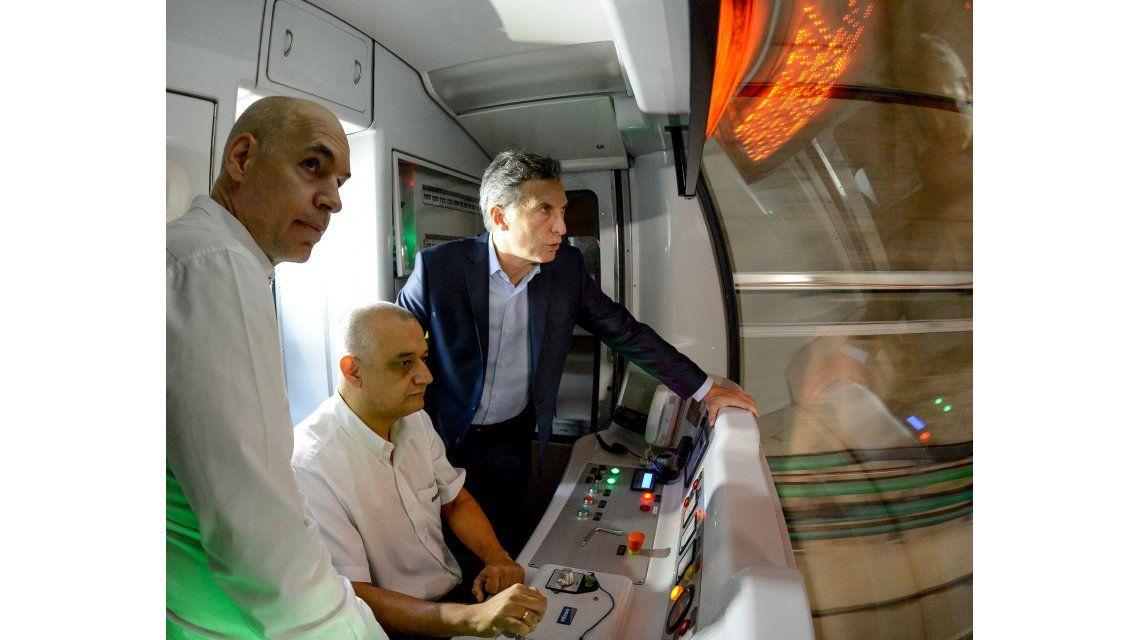 Macri inauguró dos estaciones estaciones de subte: Cómo viajan los argentinos es central
