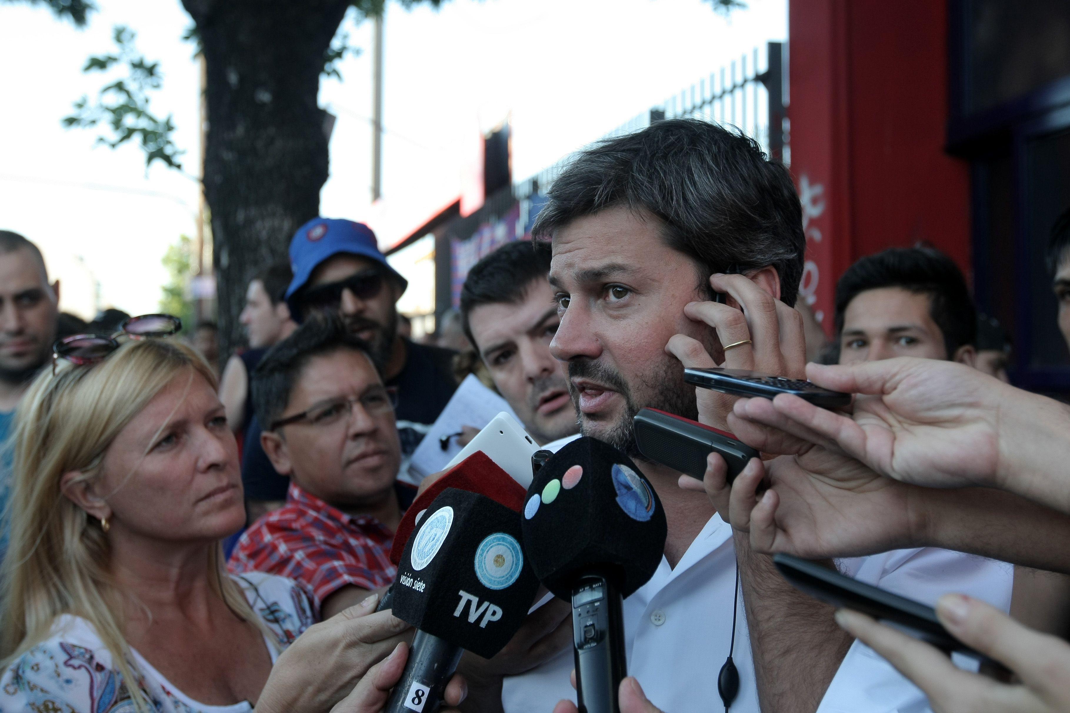 Protesta de hinchas de San Lorenzo en Boedo