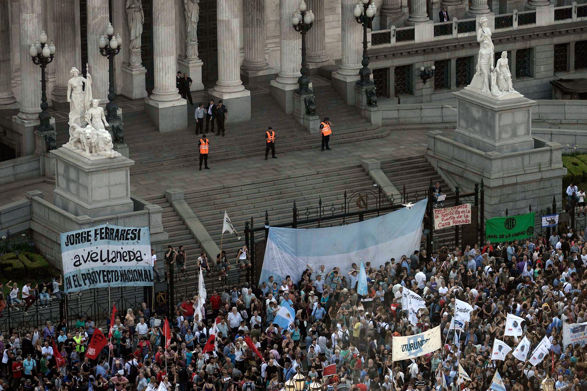 Conovocan a una nueva marcha contra las políticas de Macri