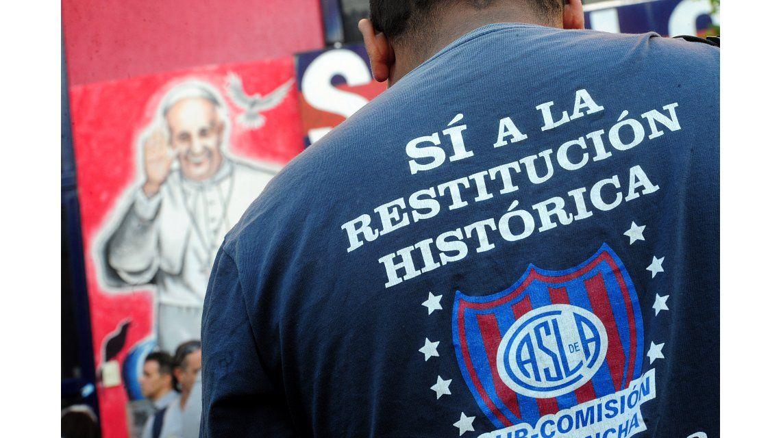 Vuelta a Boedo: hinchas de San Lorenzo llaman a protestar en los Carrefour de todo el país