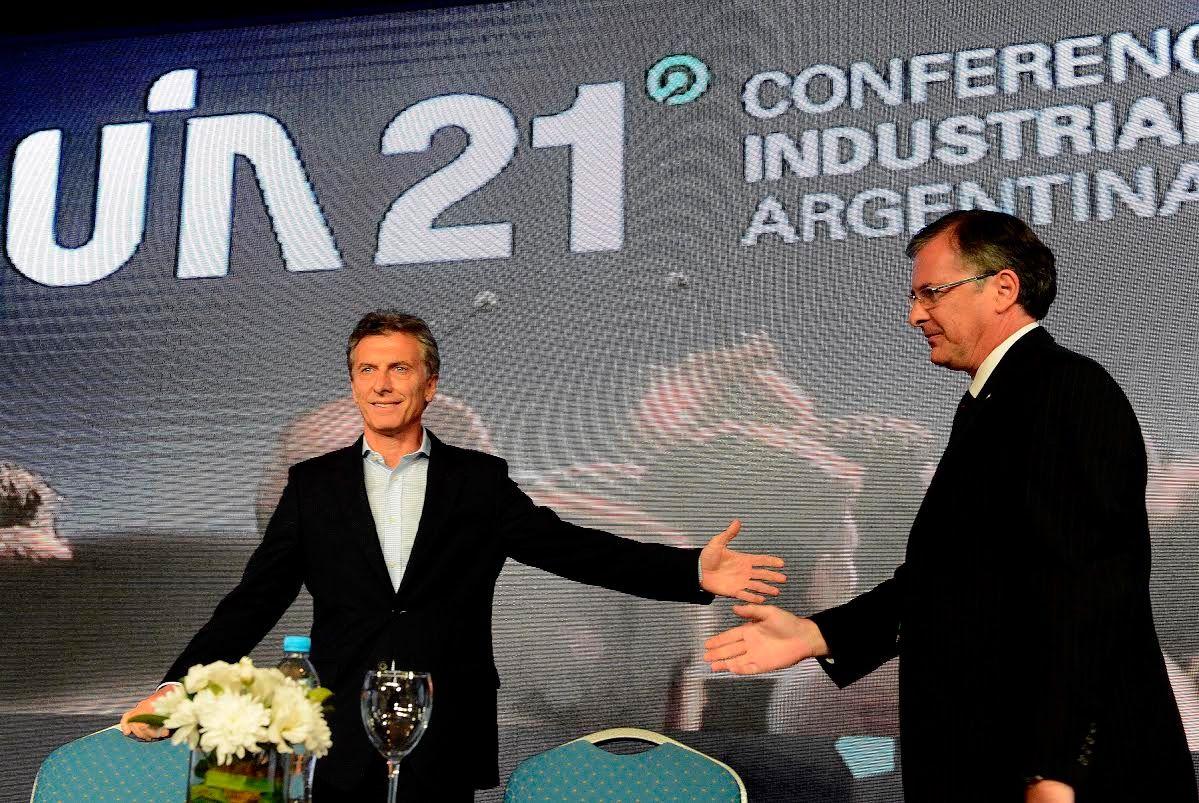Macri anunció en la UIA que esta semana avanzará con levantar el cepo cambiario