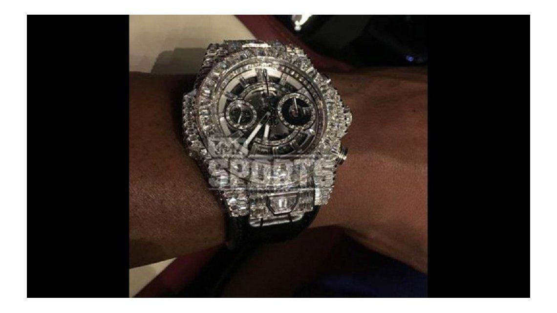 Otra excentricidad de Mayweather: compró un reloj por más de un millón de dólares