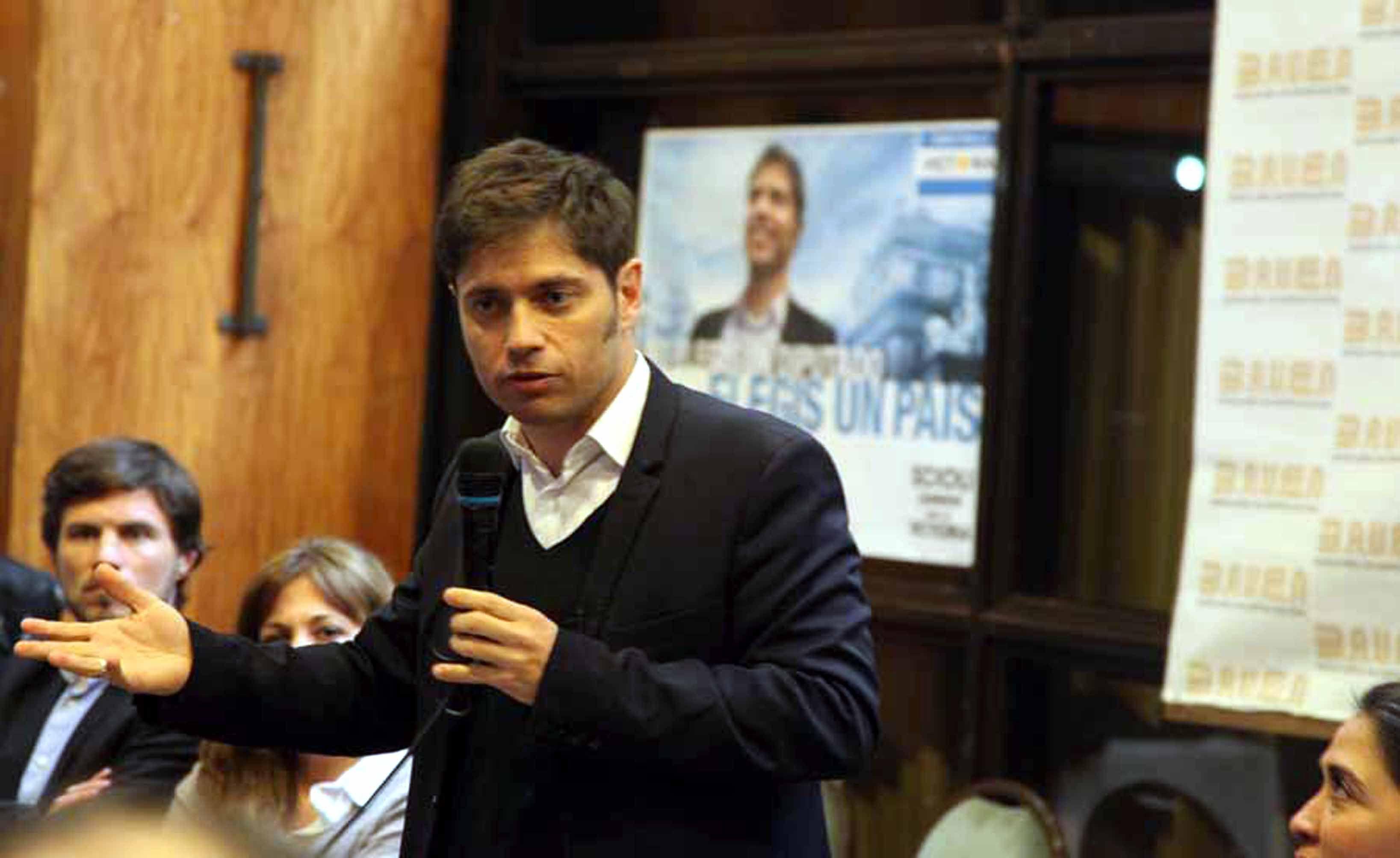Kicillof: Macri está intentando de cualquier manera arreglar con los fondos buitre