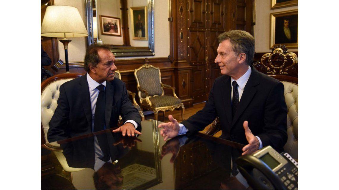 Precios, 82% móvil y Ganancias, los temas de la reunión Macri-Scioli