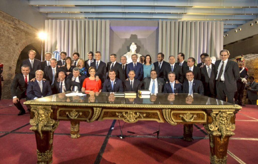 Macri encabeza este martes su primera reunión de Gabinete