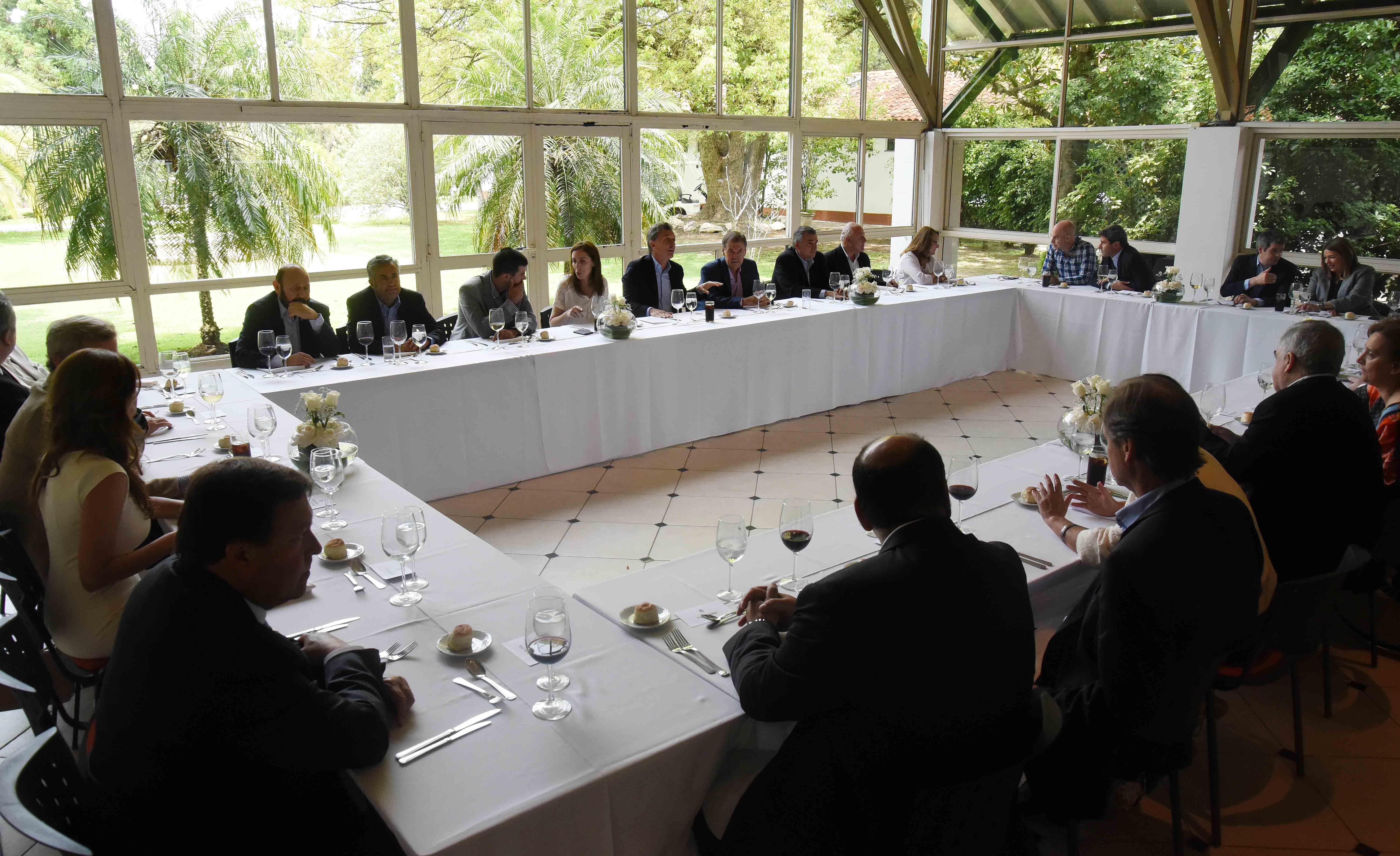 Mauricio Macri almorzó con todos los gobernadores en Olivos