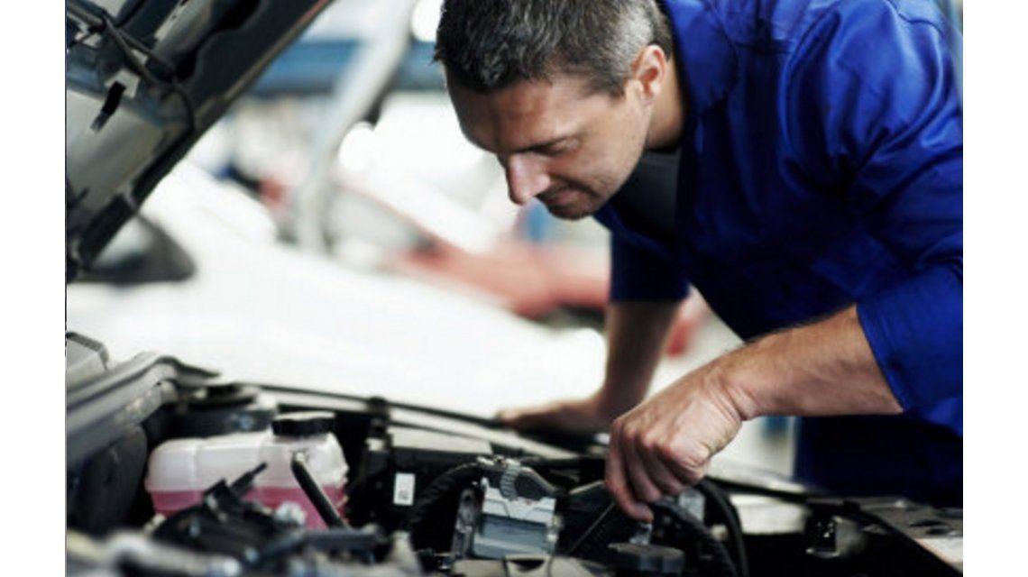 Llegan las vacaciones y hay que preparar el auto: ¿aumentan los repuestos?