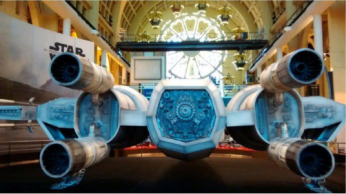 Una de las naves emblema de Star Wars aterrizó en Buenos Aires