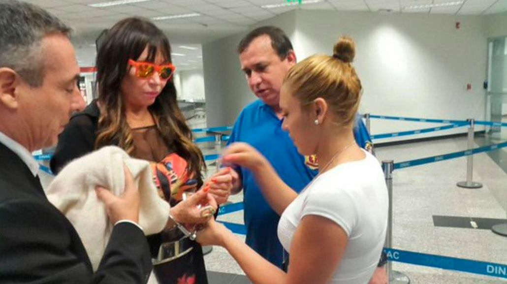 Detuvieron a Moria Casán en Paraguay por el #JoyaGATE