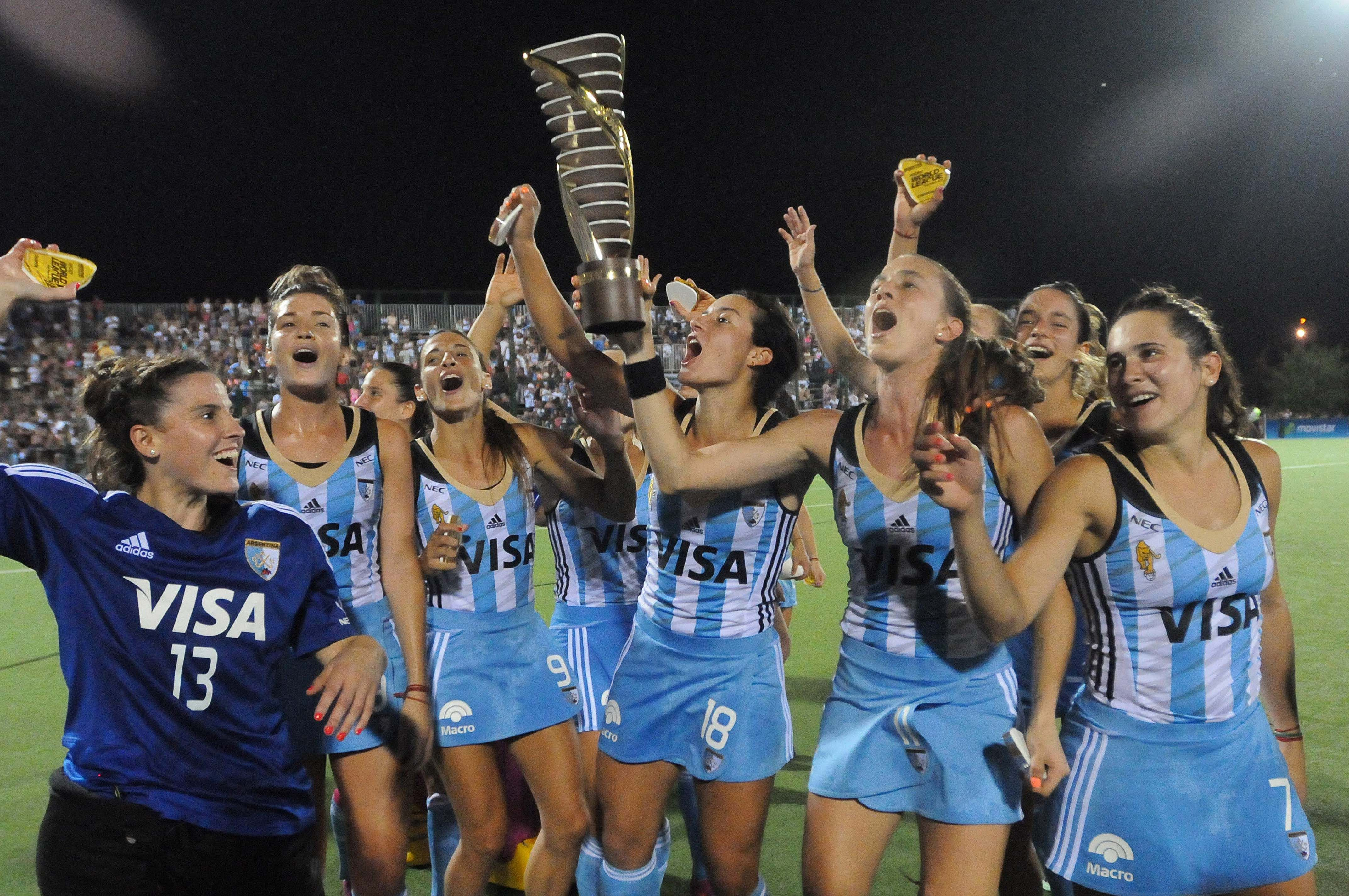 Las fotos de Las Leonas campeonas