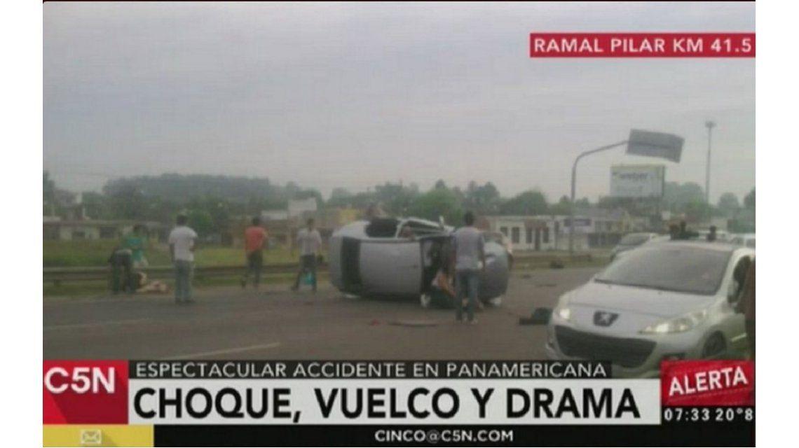 Un muerto tras un choque y vuelco en la Panamericana