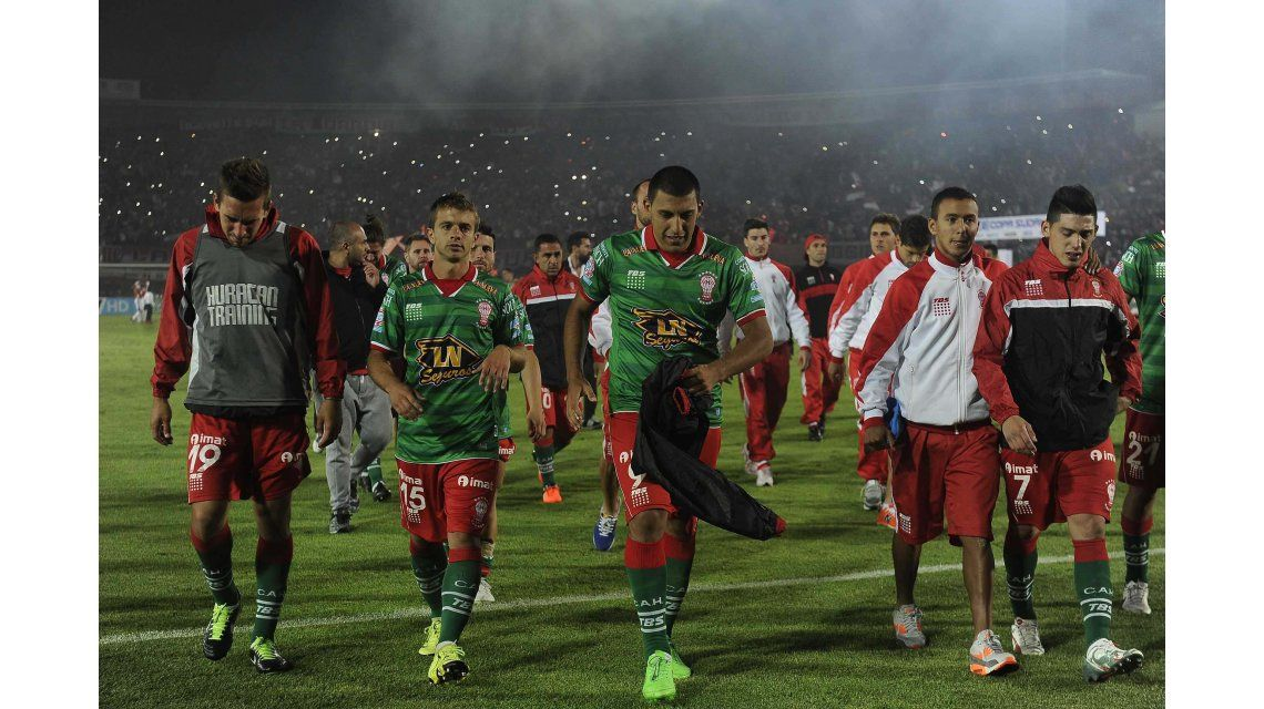 Huracán no pudo en los penales y Santa Fe se quedó con la Copa