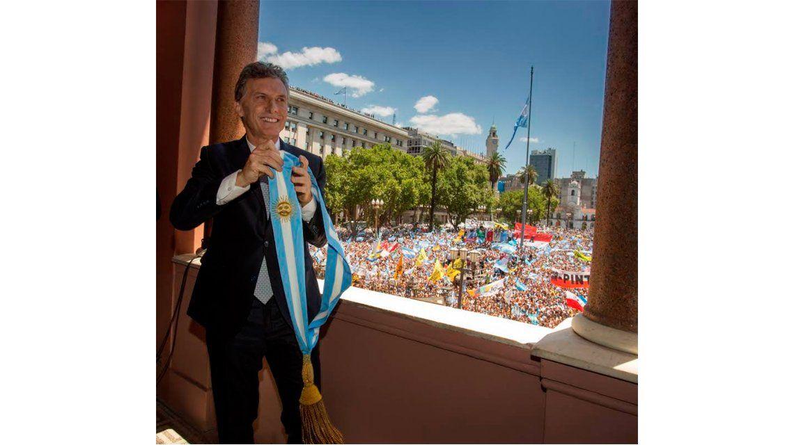 Macri inicia formalmente su Gobierno recibiendo a los ex presidenciales