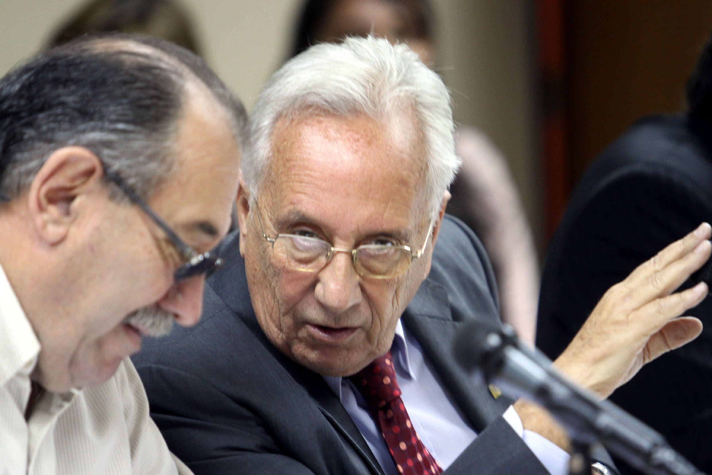 Recalde instó a Macri a dar marcha atrás con las designaciones en la corte