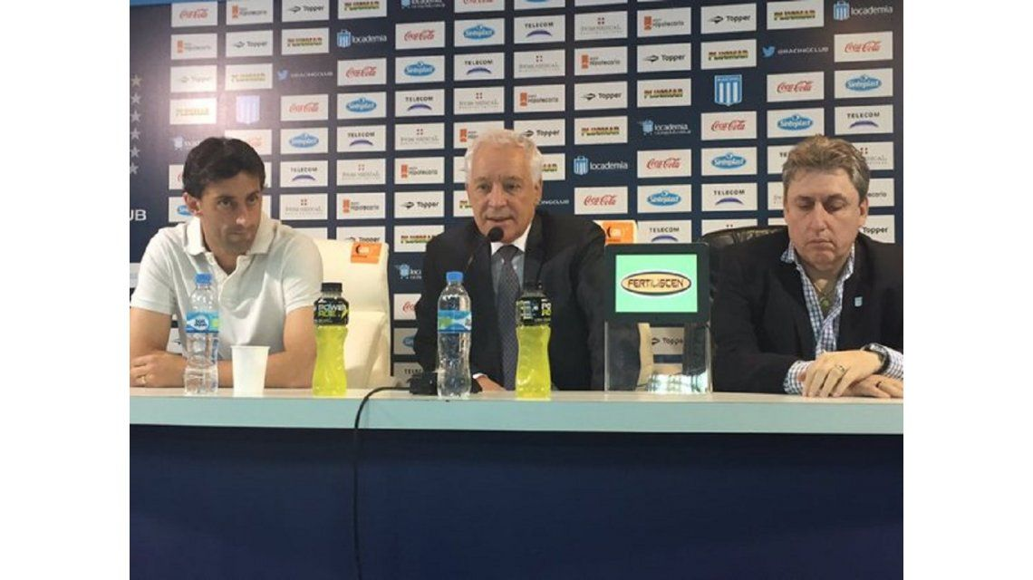 Diego Milito sigue seis meses más: Me quedo a jugar la Libertadores y me retiro