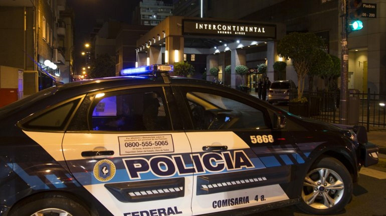 Detienen a seis sirios en un hotel del Microcentro con pasaportes falsos