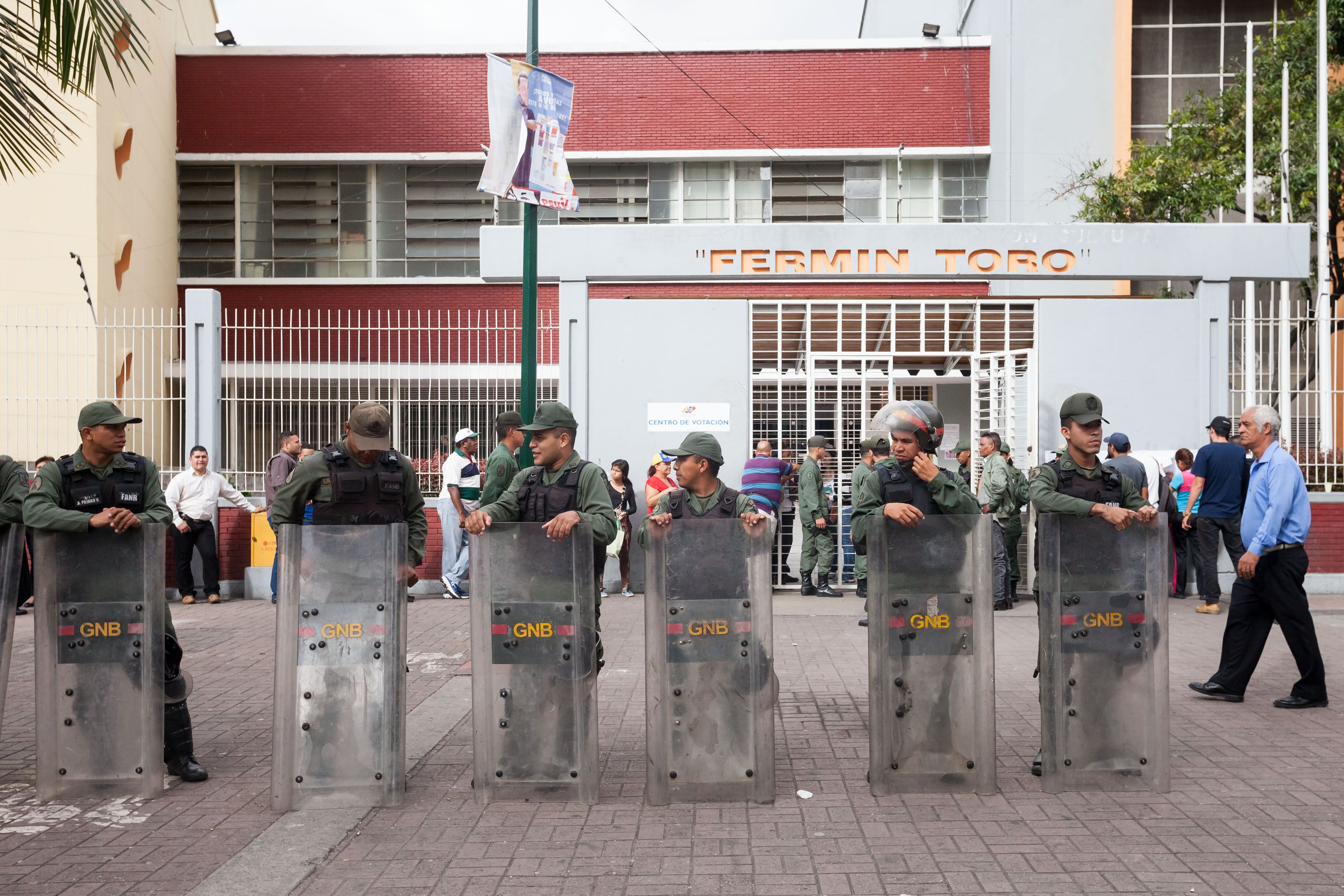 Incidentes en la votación legislativa de Venezuela: se comieron comprobantes