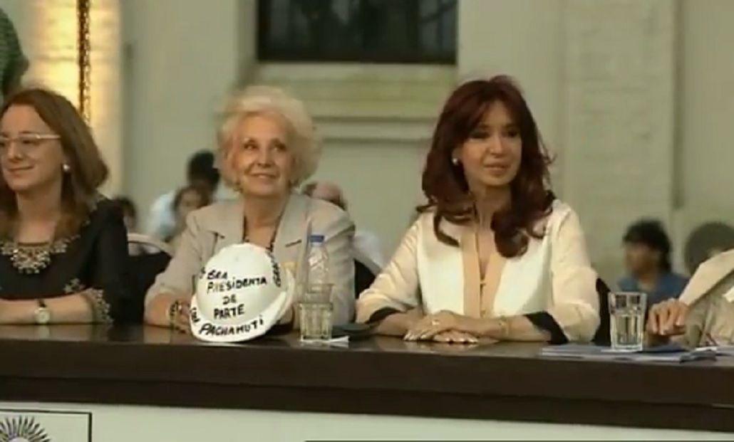 Cristina: Muy pronto muchos argentinos se van a enterar de que también recibían subsidios