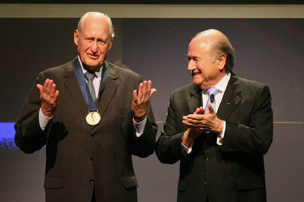 A sus 100 años, João Havelange fue internado por una neumonía
